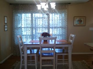 Carters chateau / country house photo - Breakfast area looks onto screened porch.