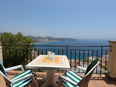 Detached sunny terraces, overlooking the bay, community pool