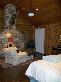 Mountain View cabin rental - master bedroom