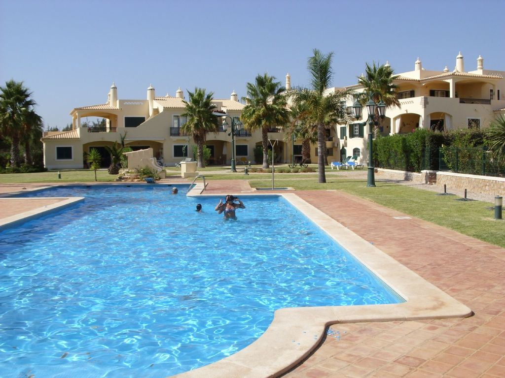 Superb Holiday Golf Apartment With Homeaway Encosta Das Oliveiras