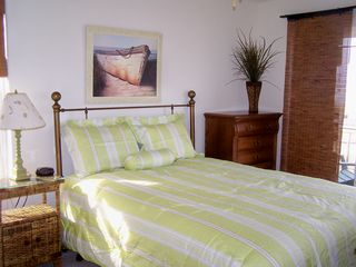 Wildwood townhome photo - Queen size bed with private balcony