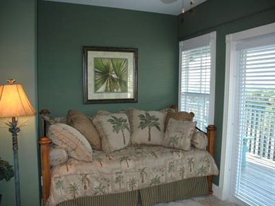 Optional 4th Bedroom, with queen size trundle bed, private bath and sundeck