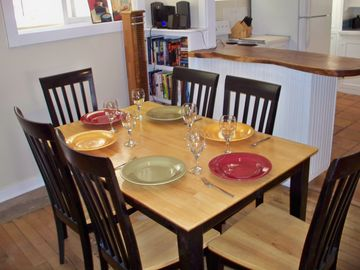 Dining table, seats 6