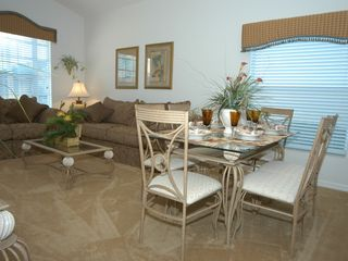 Glenbrook Resort villa photo - Formal Dining Area