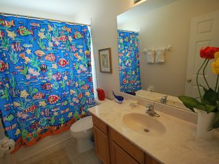 Kissimmee house photo - 2/F Kids Bathroom