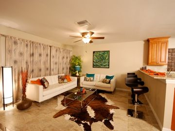 Vanderbilt Beach bungalow rental - Living Room