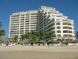 Ixtapa condo photo - The Building