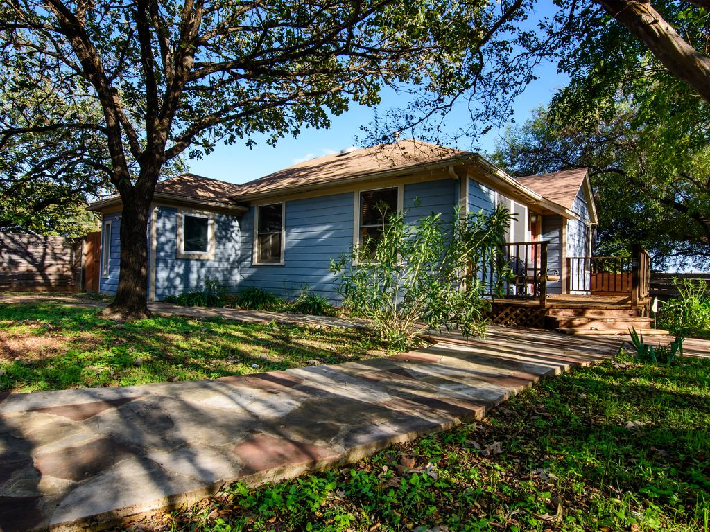 Ask about discounts for longer stays at this Fantastic 3/2 home in Zilker Park