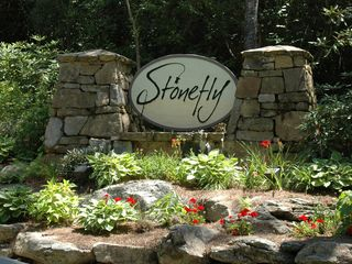 Cashiers estate photo - Stonefly Entry