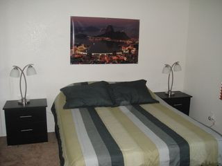 Room queen size bed - Las Vegas house vacation rental photo