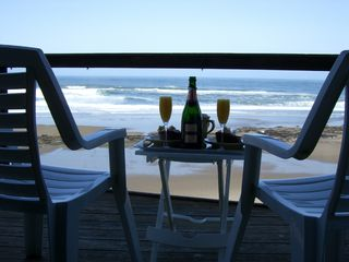 Lincoln City townhome photo - Romantic Breakfast on the Deck