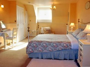 Top floor bedroom  with 5ft Double bed and ensuite bathroom.
