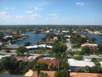 INTERCOASTAL VIEW OF MULTI MILLION DOLLAR HOMES