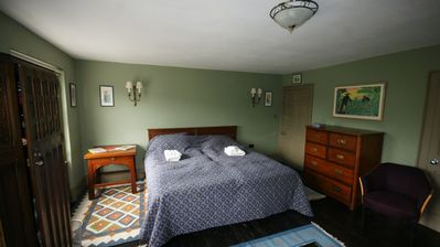 Bedsitting Room 2 - extra super kingsized beds