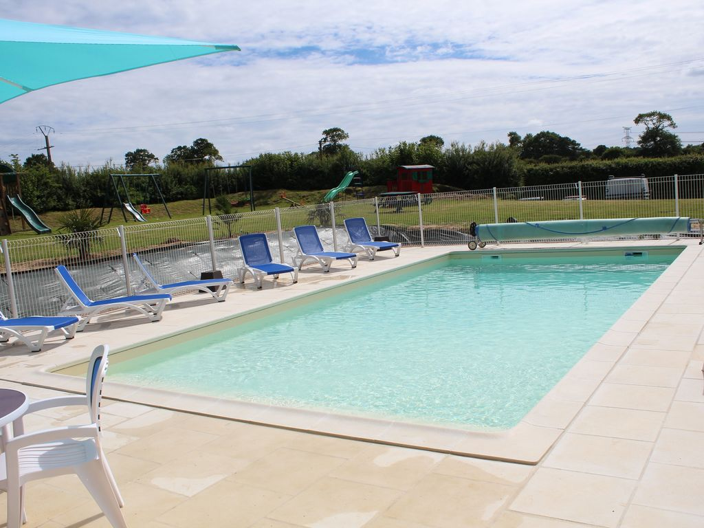 Accommodation near the beach, 125 square meters, , Saint-sauveur-le-vicomte, Basse-Normandie