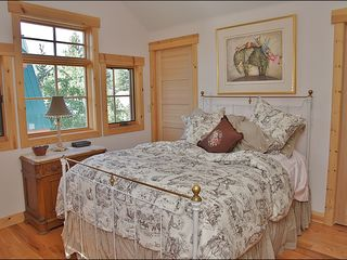 Steamboat Springs house photo - Lovely Master Bedroom with Dual Closets & Large Ensuite Bathroom.