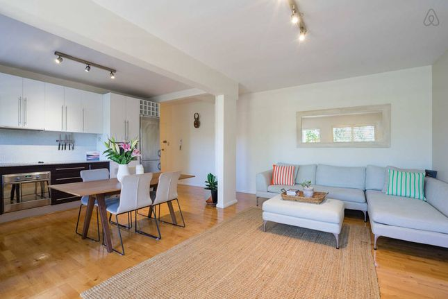 Just 3mins walk from Coogee beach and all local attractions!