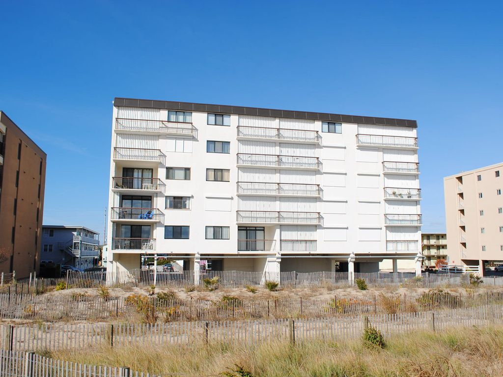 Great Fully Renovated Unit With Balcony Ocean Vrbo