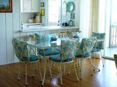 Isle of Palms house rental - 2nd floor dining table