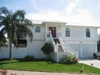 Paradise Place:Waterfront-Lg Pool-Bay Views -Availablity in August!