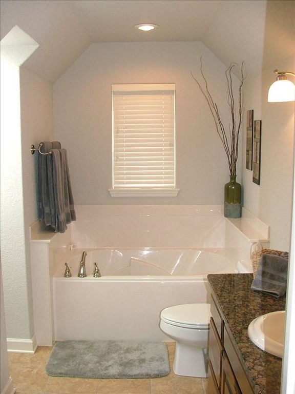 Upstairs Spa Bath with Whirlpool Tub