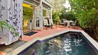 :: PUERTA CORALINA @ SOLARES HILL :: Cozy Conch Cottage & Pool / Near Duval.....