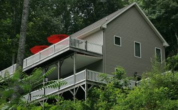 Asheville house rental - Unit top floor...ground level front entrance & rear top deck