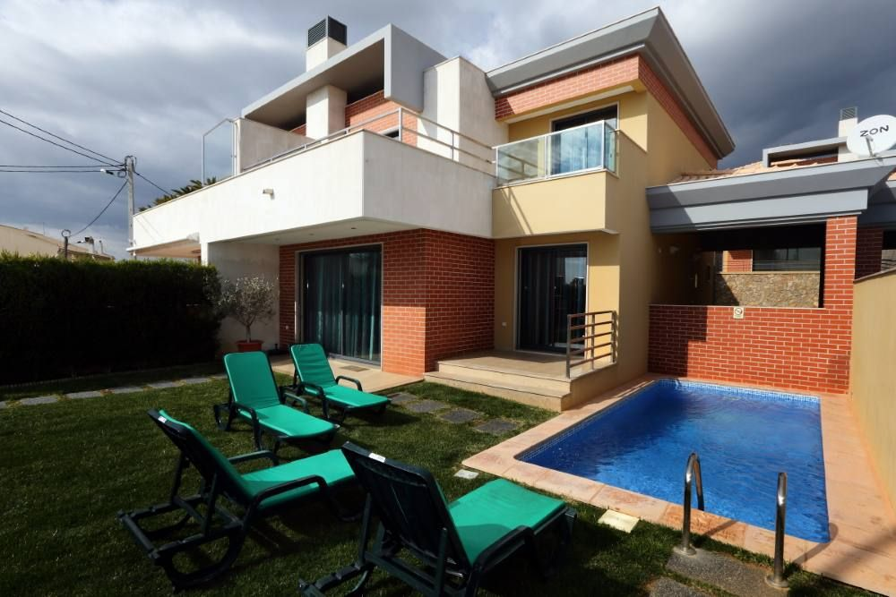 Air-conditioned house, close to the beach , Brejos