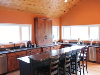 La Follette house rental - Love the over sized island and stand-alone ice maker