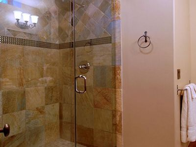 Camelot - Stand up shower in Guinevere's Bower
