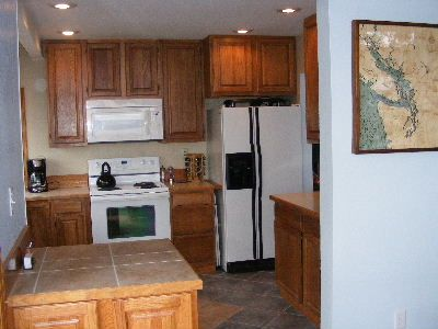 Well equipped kitchen where you can prepare gourmet meals for family & friends.