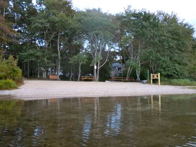 1 min stroll to sandy priv. assoc. beach w/ picnic area