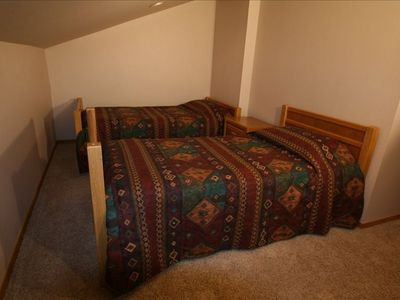Upstairs Third bedroom with twin beds