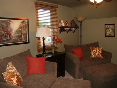 Monroe bungalow rental - Charming with chairs that convert to twin beds; ottomans; ceiling fan;