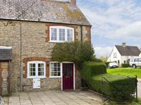 CANDY COTTAGE, pet friendly in Thornford, Ref 5331