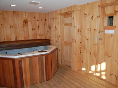 Hot Tub Room (Adjacent Sauna)