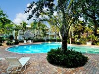Coral Cabana - CORAL HAMMOCK townhouse with PORCH VIEWS of the POOL & GARDENS!