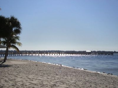 5 minute drive to the Cape Coral Yacht Club public beach and fishing pier.