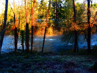 Large Family Friendly House on the Santiam River w/ Hobbit Door!