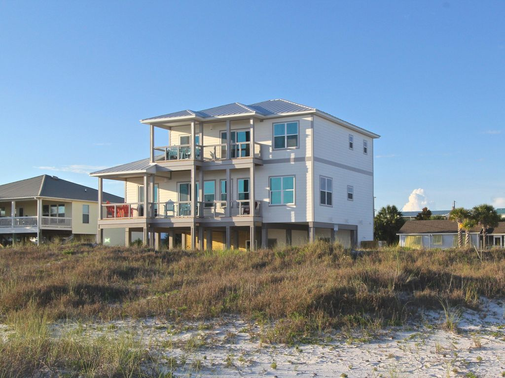 Gulf front large home elevator wifi and vrbo for Beach house elevator