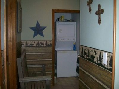 Branson West condo rental - Lodge Entrance with view of laundry room