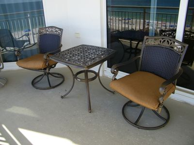 Relax on the Gulf/Beach Balcony With 6 Chairs and Table