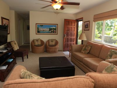 Bright Family room w/ large screen TV, DVD player and sofa sleeper -