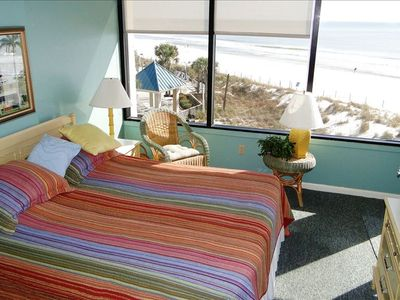Master Bedroom with Queen Bed Overlooking the Gulf of Mexico