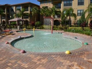 Kids splash zone, loads of fun! - Bella Piazza condo vacation rental photo