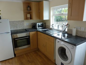 Fitted kitchen with brand new appliances