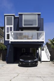 Pleasure Point house rental - Modern beach house with electric car charger