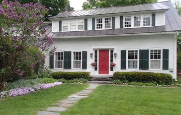 Montpelier apartment rental - Here is your entry of our historic house.