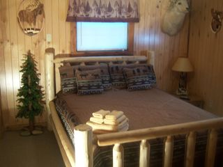 Cosby cabin photo - Bedroom 1