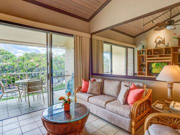 Beautiful remodel - Napili Shores - steps to Napili Bay - Summer Dates Open PLUS optional A/C!